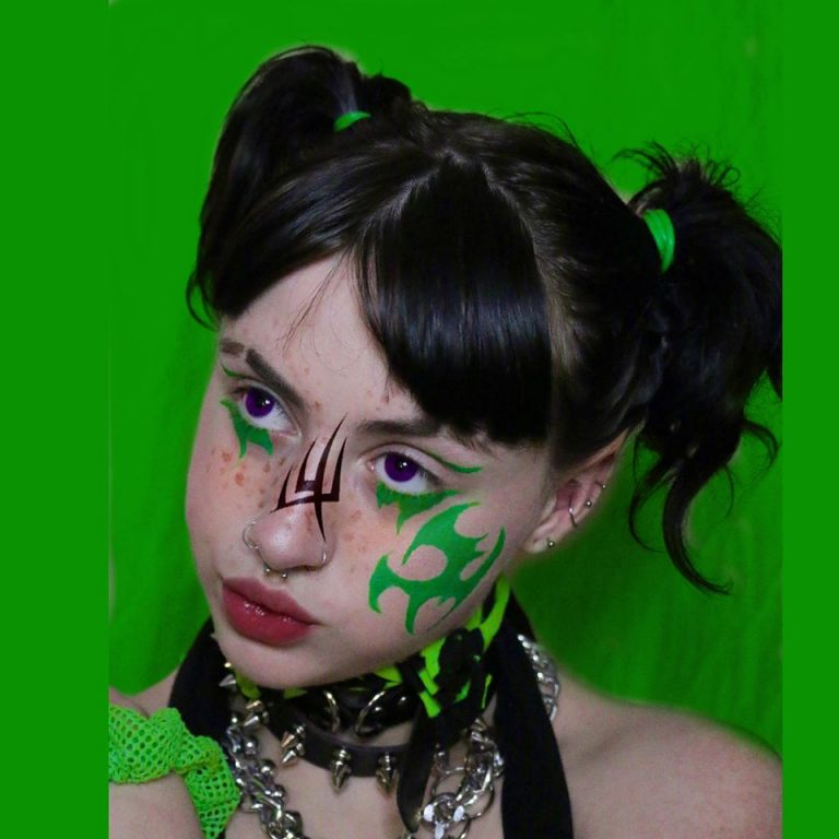 """Gothic lolita SOPHIE MEIERS drops a new single """"better for you"""""""