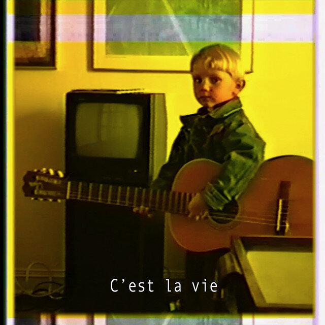 """Ulrik Munther's """"C'est La Vie"""" — Review"""