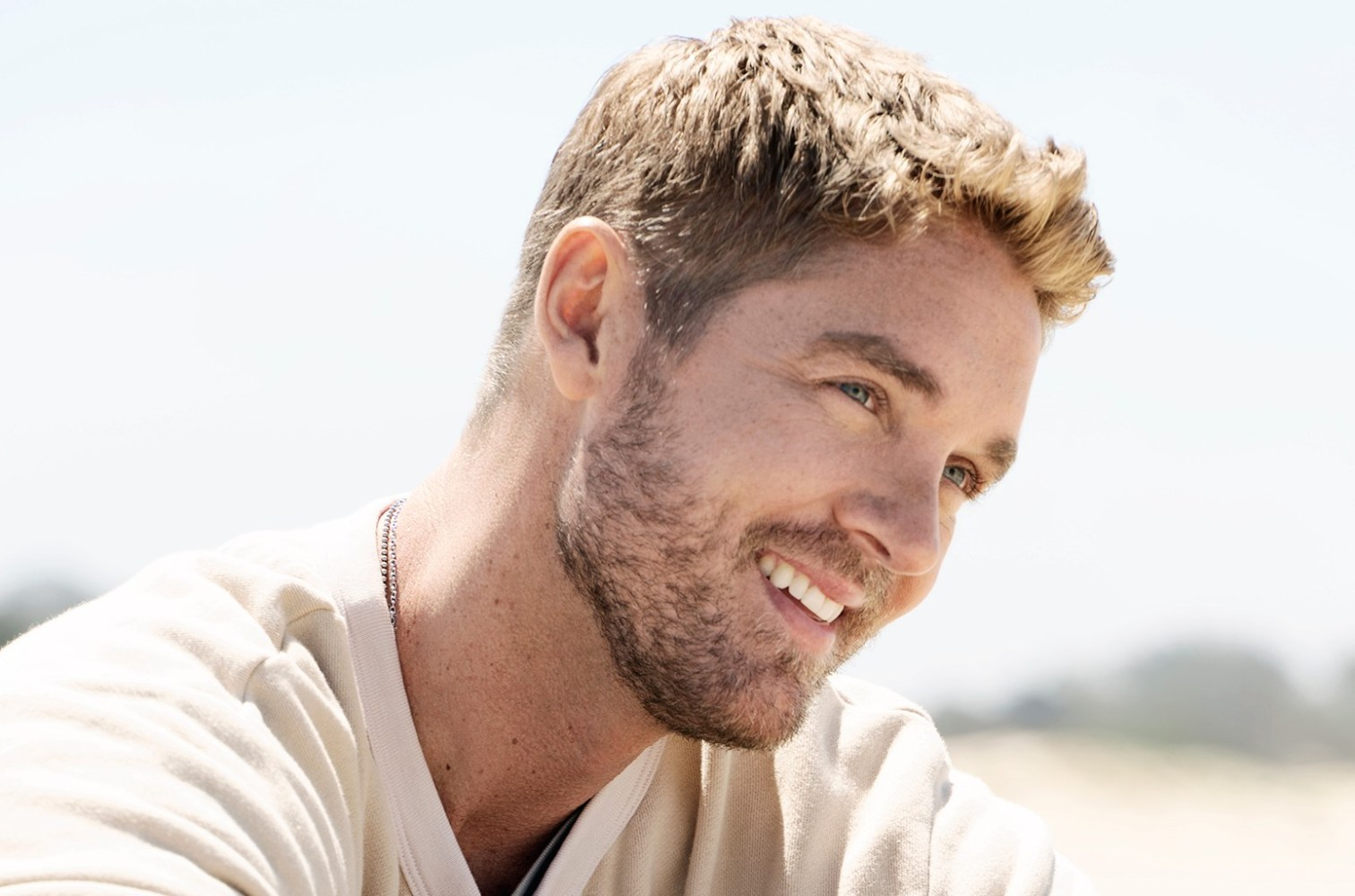 Brett Young Artist Photo