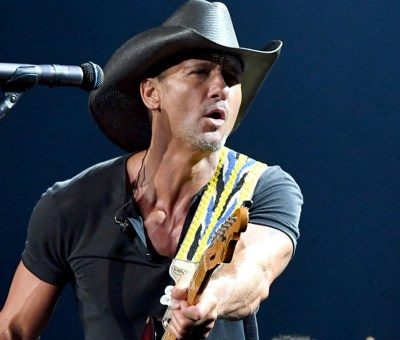 Tim McGraw artist photo